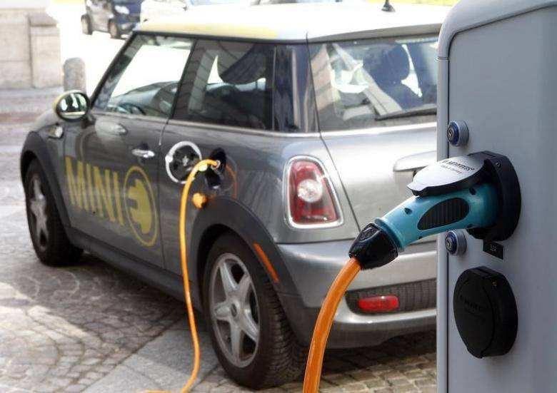 德国推电动车发展