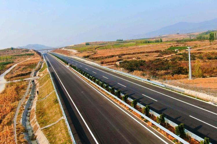 主线顺利贯通,新泰至台儿庄高速公路工程实现新突破!